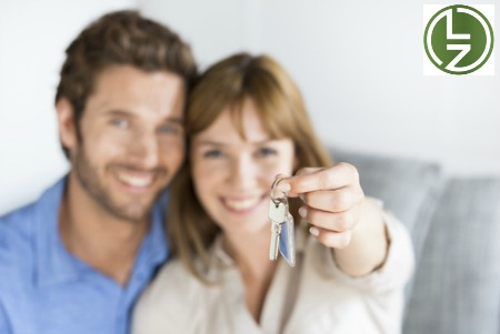 first-time-home-buyers-with-keys
